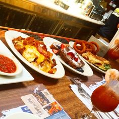 Guess what?! The #PO now serves #brunch from 12-3pm on #Sundays! #longislandfoodie #bloodymarys #mimosas #eggs #bacon #hangoverfix #drinklocal