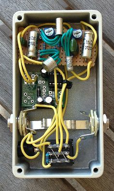 inside a DIY Distortion+ with W@mpler mods | DIY Guitar Pedal ...