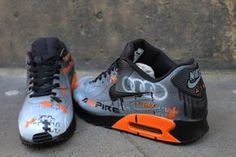 Oorspronkelijke Nike Air Max 90 geschilderd met een eigen ontwerp als u bevalt. Bijna alle soorten ontwerp zijn mogelijk. Gewoon stuur ons uw ideeën en beelden van hoe u wilt dat wij te schilderen van de schoenen via etsy-bericht wanneer het kopen van de schoenen en we schilderen de Basketball Vests, Air Max 2017, Nike Air Jordans, Nike Air Max, Custom Shoes, Custom Sneakers, Nike Trainers, Air Max Sneakers, Shoes Sneakers