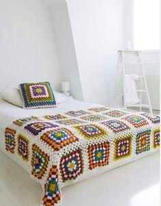 Transcendent Crochet a Solid Granny Square Ideas. Inconceivable Crochet a Solid Granny Square Ideas. Crochet Diy, Beau Crochet, Manta Crochet, Crochet Home, Love Crochet, Beautiful Crochet, Crochet Crafts, Vintage Crochet, Motifs Granny Square