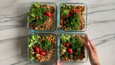 Sirtfood Diet Plan Discover Roasted Veggie Lunch Bowls Lets take roasted veggies to the next level with some fresh greens parsley quinoa chickpeas and an amazing balsamic vinaigrette! Packed with plant based protein! Vegetarian Meal Prep, Lunch Meal Prep, Meal Prep Bowls, Healthy Meal Prep, Vegetarian Recipes, Clean Eating Snacks, Healthy Eating, Diet Recipes, Healthy Recipes