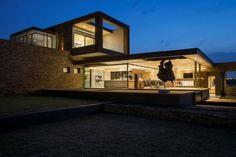 House Boz by Nico van der Meulen Architects (17)