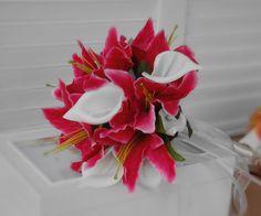 http://www.ebay.com/itm/Calla-Lily-Hot-Pink-Wedding-Bridal-Bouquet-Silk-Flower-Grand-Opening-Low-Price-/261146535510?_trksid=p4340.l3484