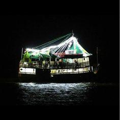 Barco turístico na Baía do Guajará, Belém | Foto: Rodrigo Rojas