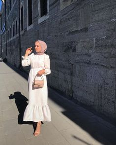 ✔ Dinner Party Dress Outfits Source by Modern Hijab Fashion, Hijab Fashion Inspiration, Abaya Fashion, Muslim Fashion, Modest Fashion, Hijab Fashion Summer, Dress Fashion, Fashion Fashion, Party Dress Outfits