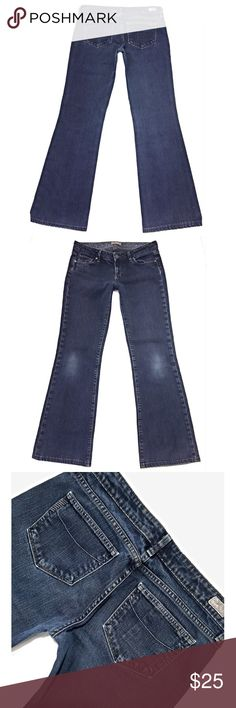 """PAIGE """"Laurel Canyon"""" SZ 29 Boot Dark Blue Jeans Paige jeans are so flattering! I love them! They are what I where and love and get the most compliments on:) Paige """"Laurel Canyon"""" size 29 inseam 31"""" Paige Jeans Jeans Boot Cut"""