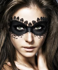 14 Last-Minute Halloween Costumes That Only Require Makeup No costume? No problem. These Halloween makeup ideas are all you need to pull off the ultimate last-minute costume Be Mysterious