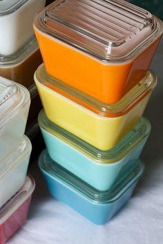 blue, turquoise, yellow & orange refrigerator dishes. So cute :)