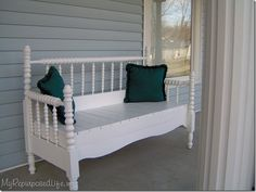 bench tutorial/old crib,place a covered pad on the seat for the little girls room, LD