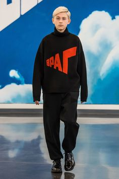 See the complete Gosha Rubchinskiy Fall 2018 Menswear collection.