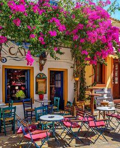 Cafe in Gaios town, Paxos island, Ionian sea, Greece Outdoor Cafe, Outdoor Decor, Greek Cafe, Café Exterior, Paxos Island, Beautiful World, Beautiful Places, Sidewalk Cafe, Cafe Design