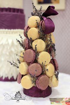 macarons tower lavender, purple