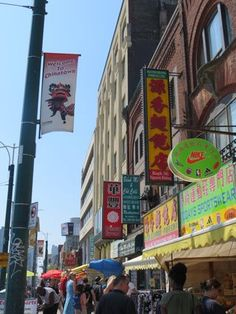 Tour some of Toronto's great neighbourhoods - Chinatown, Koreatown, Little India, Greektown and Little Italy to name a few.