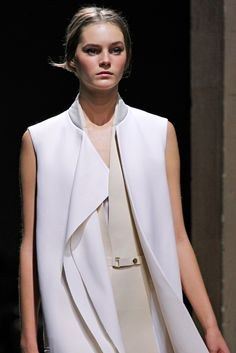 Céline Spring 2011 Ready-to-Wear Fashion Show Details