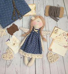 Best 11 Tilda doll pattern by Eunice Hendroff – SkillOfKing. Christmas Ornament Crafts, Christmas Sewing, Fabric Toys, Fabric Crafts, Tilda Toy, Waldorf Toys, Sewing Dolls, Fairy Dolls, Soft Dolls