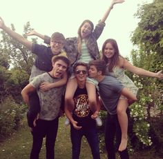 Zoe, Tyler, Tanya, Alfie, joe and Jim i Wish i had a friendship like them all