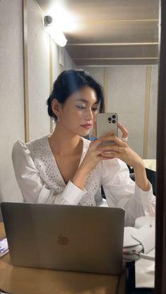 Korean Aesthetic, Aesthetic Girl, Cute Girl Face, Cool Girl, Short Hair Korea, Korean Girl, Asian Girl, Kim Doyeon, Insta Photo Ideas