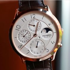 Hermès Slim d'Hermès Perpetual Calendar from @horologyandtechnology. Priced at about $55000AUD it seems a bit dear for a high-end fashion house designed and made timepiece but when you think about what you're getting I believe it is well worth your dough. Super-thin in-house automatic movement (micro-rotor!!) art-deco design inspiration and a little bit against the grain with respect to the rest of the QP pieces out there. Movement: 5/5 Aesthetics: 4/5 Wearability: 4/5 Affordability: 2/5…