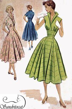 McCalls 8835  Junior Dress.Fitted midriff, High waist, turn up collar, full skirt.  copyright 1950's  Size 11  Bust 29  Waist 24.5  Hips 32  UNCUT FF    Fabrics: chambray,gingham. pique, linen, shantung, taffeta, surah, bengaline