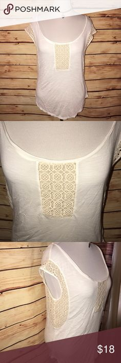AEO Ivory & Cream Crochet Accent BOHO Tee Super cute, soft and comfy! Great oversized fit in neutral ivory and cream shades with crochet style detail. Excellent quality and condition. Check out my other listings to bundle and save! American Eagle Outfitters Tops Tees - Short Sleeve