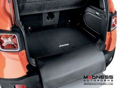Jeep Renegade Cargo Mat with protection Flap