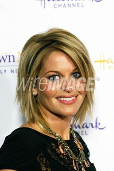 Obsessed with Candace Cameron Bure's hair cut & color