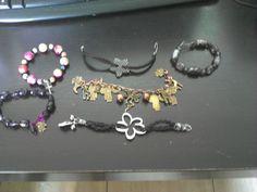pulseras con material reciclado Charmed, Bracelets, Jewelry, Recycled Bracelets, Recycled Materials, Jelly Beans, Fabrics, Bangles, Jewellery Making