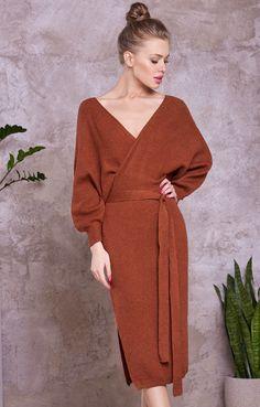 Трикотажное платье с объемными рукавами и вырезом на спине H.I.T. / 2000001053409-2