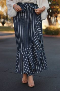 That's a mini skirts attached in a casual approach utilizing a casual top notch. Skirt Outfits Modest, Modest Wear, Modest Dresses, Dress Skirt, Casual Skirts, Modest Fashion, Fashion Dresses, Apostolic Fashion, Quoi Porter