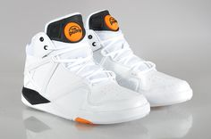 8f4978092115 Men s Reebok Pump Omni Lite Retro Basketball Shoes in 2019