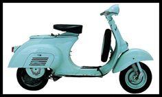 1 VESPA 50CC  MODÈLE 1963Modèle qui est apparu en 1963.  - Caractéristiques commerciales de l'époque VESPA 50cc : Moteur 2 temps incliné à 45 degrés - Cylindrée exacte : 49,8 cc - Alésage x Course : 38 x 43 mm - Boite 3 vitesses - Freins à tambour - Selle monoplace - Pneus : 2.75 x 9 - Roue de secours incluse dans le tablier avant - Mono selleKlaxon - Poids : 70,5 Kg Puissance 1,4 Cv - Vitesse maximale : 39,5 Km/h