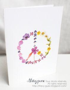 Paix et amour hippie herbier fleurs carte imprimée de mes oeuvres dart originales composées déléments venant de mon herbier personnel.  Vide à