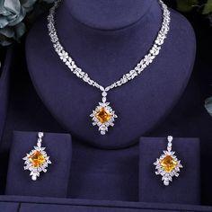 Bridal Zirconia Jewelry Sets For Women Party, Luxury Dubai Nigeria CZ Crystal Wedding Jewelry Sets – Schmuck Ohrringe ect. Pearl Bridal Jewelry Sets, Wedding Jewelry Sets, Jewelry Party, Crystal Jewelry, Wire Jewelry, Antique Jewelry, Silver Jewelry, Japanese Jewelry, Crystal Fashion