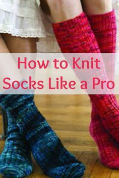 Learn how to knit socks the simple way with these FREE sock patterns and instructions! #knittedsocks #knitting #knittingpatterns