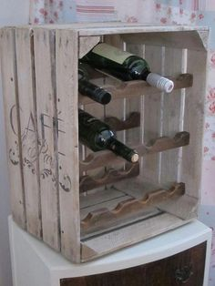 New wooden crate wine rack storage ideas 18 Ideas The Effective Pictures We Offer You About DIY Wine Rack cart A quality picture can tell you many things. You can find the most beautif Wooden Crates Design, Diy Wooden Crate, Wood Crates, Wine Rack Storage, Wine Rack Wall, Crate Storage, Storage Ideas, Crate Shelves, Record Storage