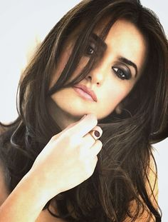 Penelope Cruz hair and makeup