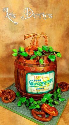 Narozeninový dort by Los dortos Wine Bottle Cake, Barrel Cake, Floral Cake, Decorated Cakes, Sugar Art, Pretty Cakes, Cake Art, Daily Inspiration, Amazing Cakes