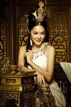 Sao Việt diện trang phục cổ trang đẹp... nghiêng thành >> trang phục cổ trang + nghiêng nc nghiêng thành
