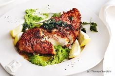 Hühner-Cordon-Bleu mit Erbsenpüree Salmon Burgers, Grilling, Pork, Meat, Steaks, Cooking, Austria, Ethnic Recipes, Gourmet