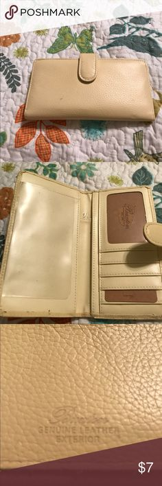 ladies checkbook cover Beautiful beige ladies checkbook cover in excellent condition has one Pen mark on the inside that doesn't detract from they cover it is genuine leather I carried it may be a week please share my closet and find lots of good bargains make me an offer I can't refuse and happy poshing ps: this checkbook does not hold the duplicate checks it is for a regular size bank check buxton Other