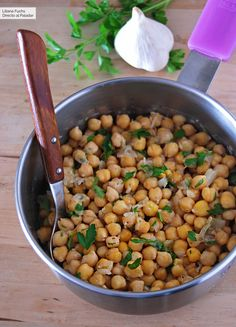 Chickpeas with roasted garlic: very easy vegan recipe filled with sa .- Roasted garlic chickpeas: very easy vegan recipe full of flavor (and that does not repeat) - Vegetarian Kids, Best Vegetarian Recipes, Vegan Recipes Easy, Real Food Recipes, Cooking Recipes, Vegan Dinner Party, Avocado Recipes, Healthy Meals For Kids, Dinner Recipes