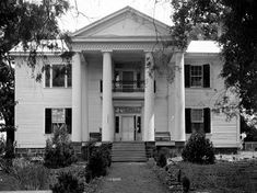The Alpine plantation house in Talladega County was built during the