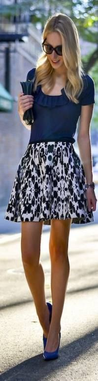 Fashion style street summer black and white trendy Ideas White Outfits, Cool Outfits, Cozy Winter Outfits, White Mini Skirts, Skirt Outfits, Spring Summer Fashion, Summer 3, Sexy Legs, Skirt Fashion