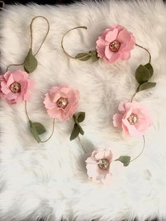 floral greenery wedding garland coral blush and pink - coral nursery idea - wall decor - baby girl room Felt Flowers, Colorful Flowers, Fabric Flowers, Pink Flowers, Flower Colors, Paper Flowers, Blush And Gold, Blush Pink, Pink Soft