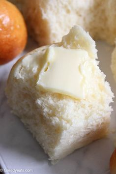 The best homemade dinner rolls recipe ever! You will love it on a weeknight or for a holiday, so soft, buttery and delicious! Fluffy Dinner Rolls, Homemade Dinner Rolls, Dinner Rolls Recipe, Roll Recipe, I Hop Pancake Recipe, Quick Yeast Rolls, Cooking Recipes, Cooking Stuff, Recipe Today