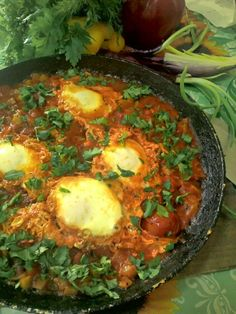 PROTEINE: Shakshuka (Oua in sos de rosii) Rina Diet, Recipies, Food And Drink, Low Carb, Healthy, Ethnic Recipes, Blog, Bread, Diet