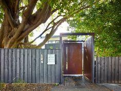 Contemporary Home in Historical Australian Neighborhood Photo