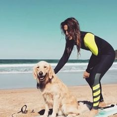 Mi tía @wiistime me enseña a surfear #surfingthebasquecountry #dogswhosurf #surfwithyourhumans