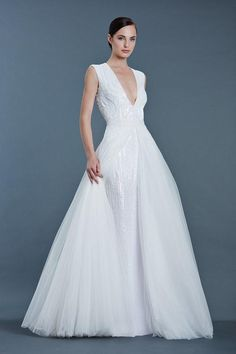 The biggest bridal wedding dress trends of 2016 Top Wedding Dresses, Cheap Bridesmaid Dresses, Wedding Dress Trends, Bridal Dresses, Wedding Gowns, Mod Wedding, Wedding Wall, Wedding Pics, Trendy Wedding
