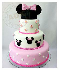 Minny Mouse Cake. Arte da Ka